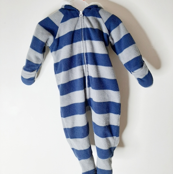 Old Navy Other - Sweet little baby snowsuit